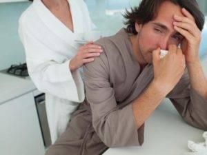 Побочными эффектами у пациента, принимающего медикаменты на основе тамсулозина, могут быть головокружение, головная боль и ринит
