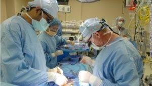 При простатите лечащим врачом назначается хирургическое вмешательство – в запущенных случаях