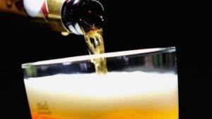 Пиво заполняет организм женскими половыми гормонами