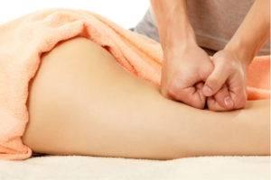 Мужчинам, страдающим аденомой простаты можно делать массаж крестцовой области, продвигаясь к зоне ягодиц и бедренным суставам