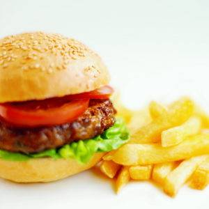 Вредная еда понижает уровень тестостерона
