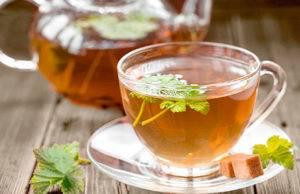 Чай из сушеной черной смородины