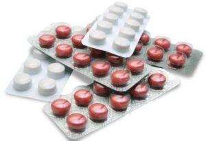 Прием антибиотиков или гормональных препаратов