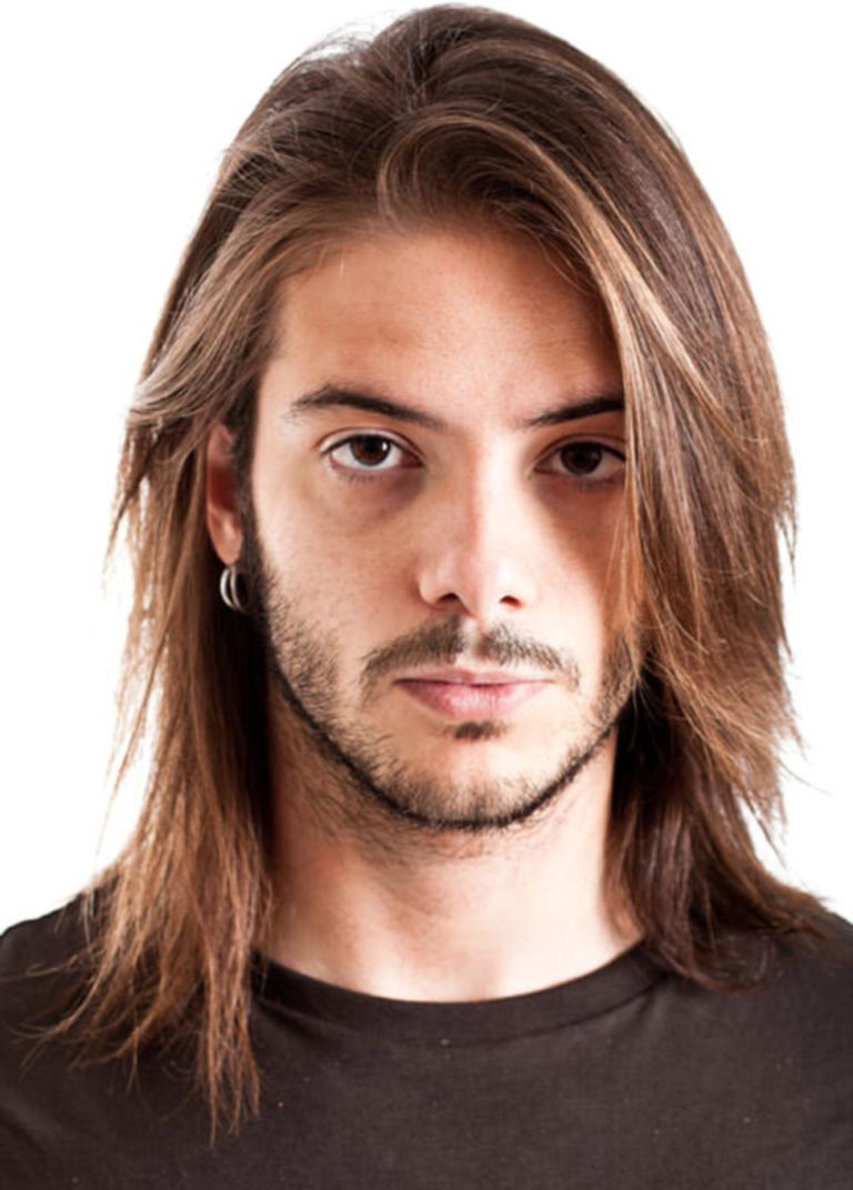 Фото прическа с длинным волосами для парня