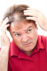 К какому врачу обратиться, если выпадают волосы